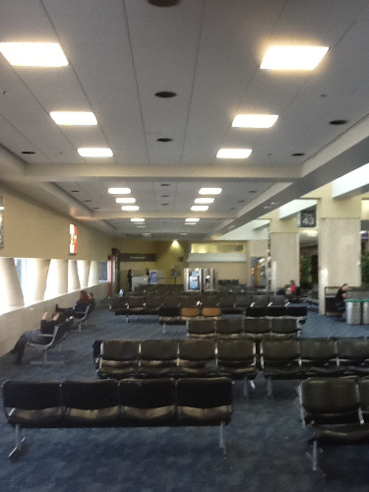 San Francisco International Airport transforms Terminal 1 with MaxLite LED flat panels