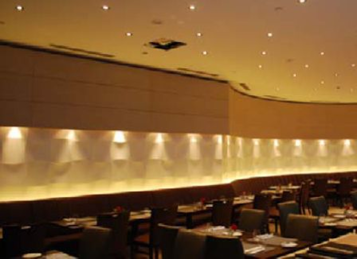 Truelux 24W LED lights reduce energy consumption by 76% over 100W halogen lamps at Dubai hotel