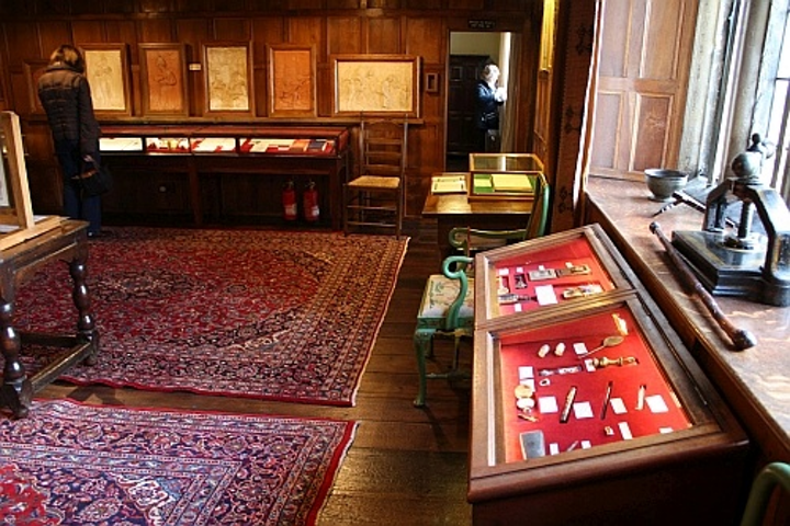 Works by Kipling lit by CLD and Osram, museum lighting advances