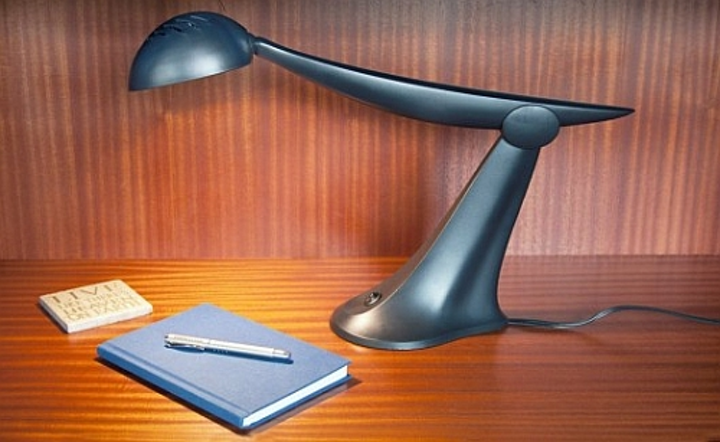 Recycled-material LED desk lamps installed in Seattle hotel