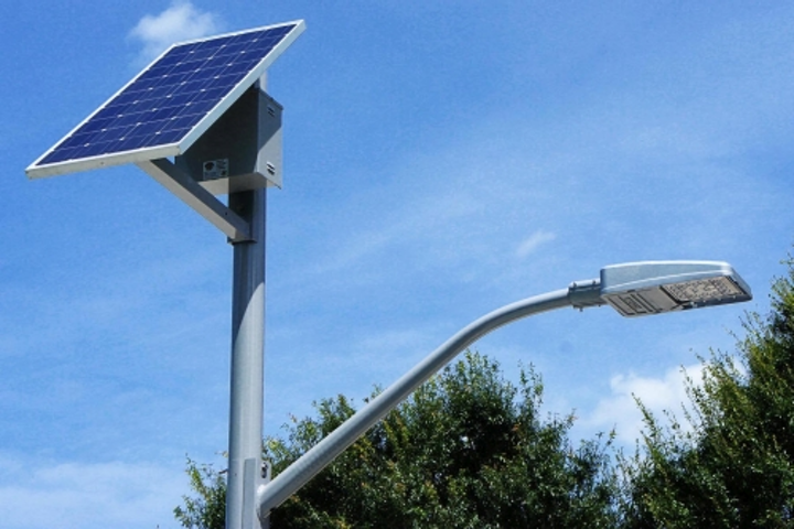 SEPCO SolarViper LED outdoor area and roadway luminaire qualifies for LEED points on projects