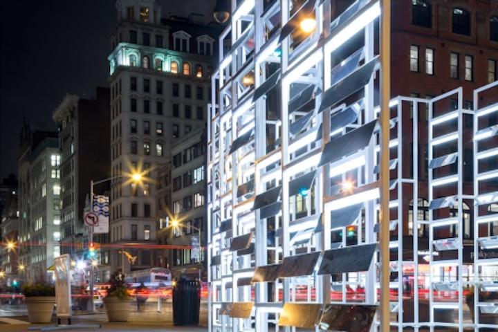 Dynamic LED lighting art project headlines at New York's Flatiron