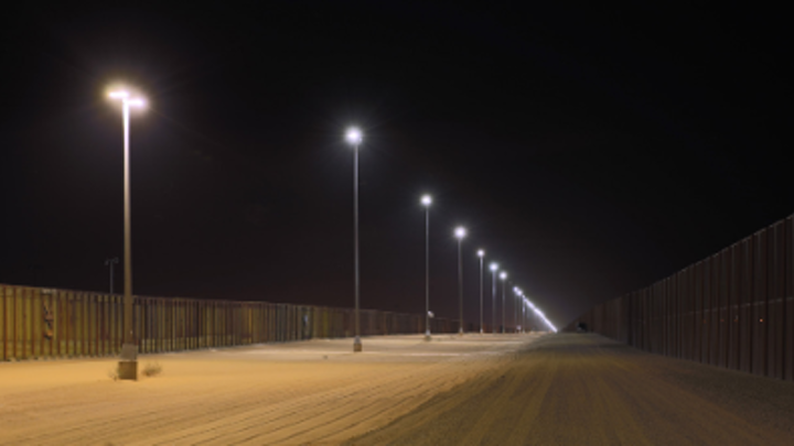 DOE reports on bright LED luminaires in high-temperature environments