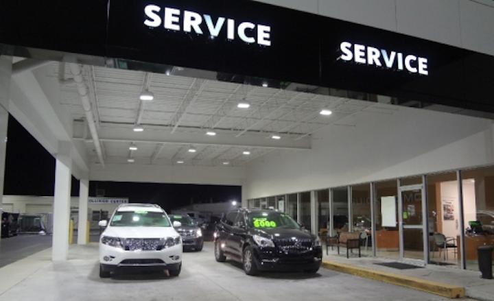 Gainesville automotive dealership showcases vehicles with Arkon LED lighting