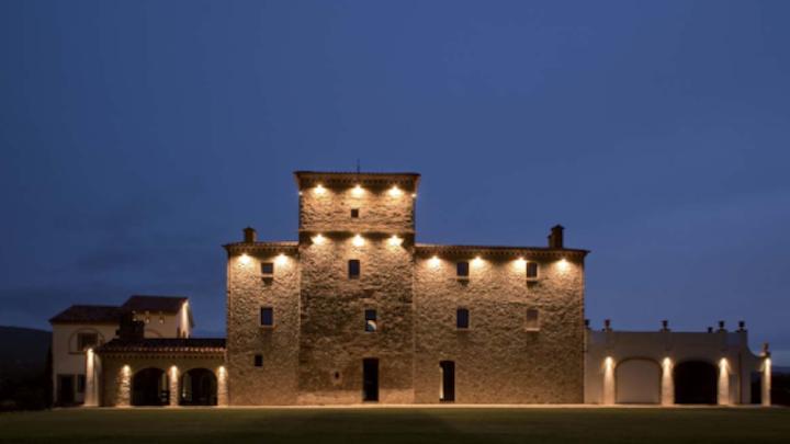 Stefano Dall'Osso develops lighting design that enhances architectural details at Torre al Guado residence