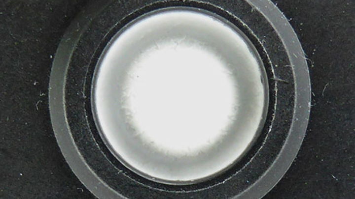 Use microporous vents for reliable LED luminaire design