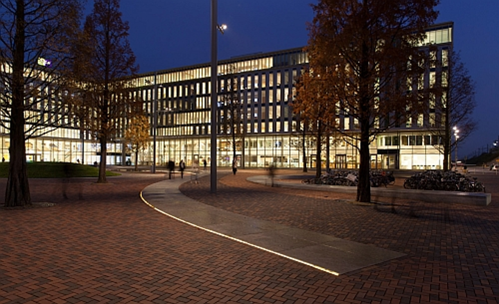 Philips teams with Cisco and Dutch energy utility Alliander on smart lighting project