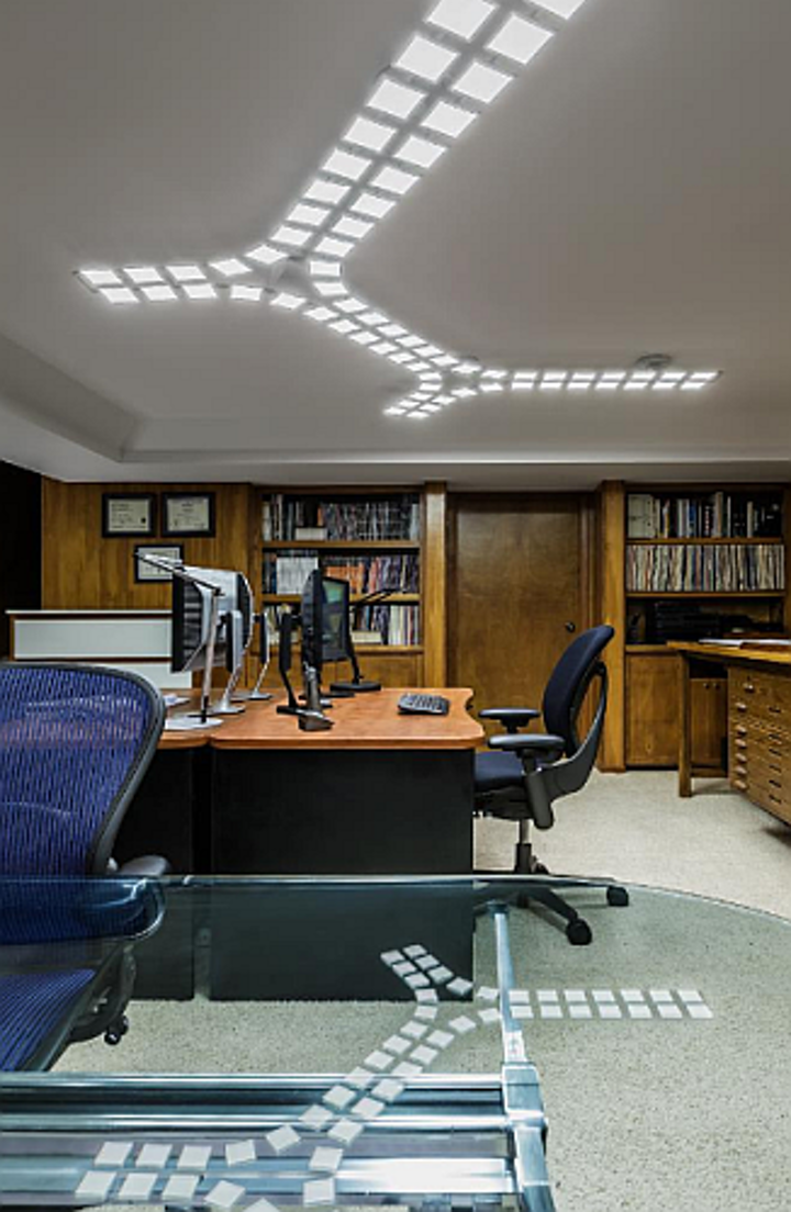 DOE Gateway demonstration tests OLED lighting in an office setting