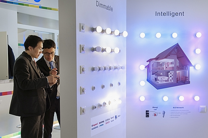 Light+Building takes a smart route to connected lighting and services