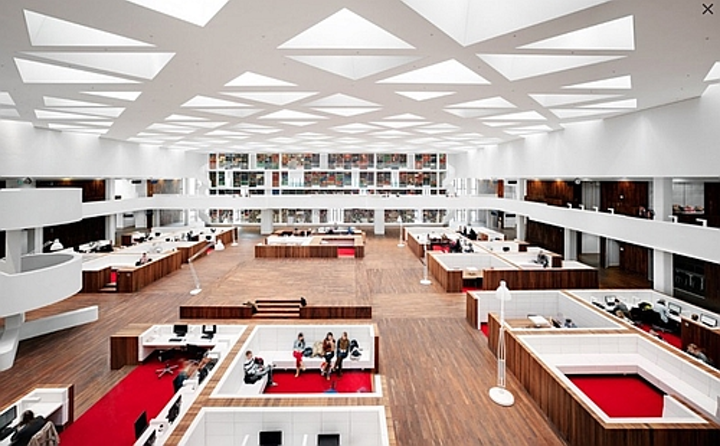Trilux and Dutch startup team for wireless LED lighting systems at medical library