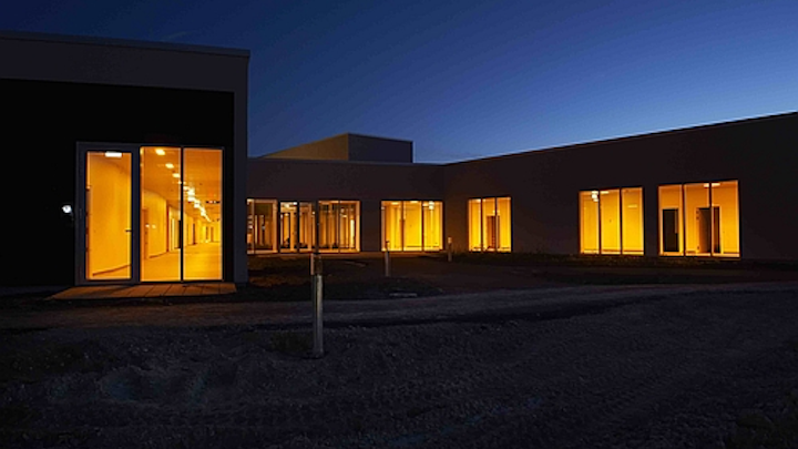 Evening and night-time amber colors deliver via a circadian lighting system help patients rest at the Aabenraa Psychiatric Hospital.