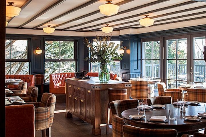 Windsor restaurant applies filament LED lamps in architectural lighting design