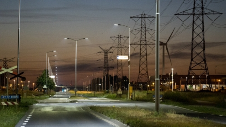 Dutch port taps smart street lighting, with IoT on the horizon