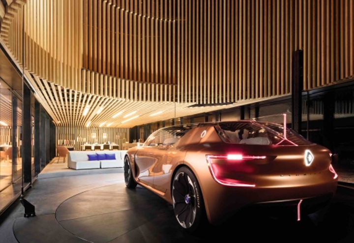 Philips and Renault show off a smart car and smart lighting concept