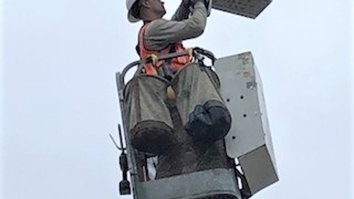 Portland installs traffic sensors on street lights covering three busy city thoroughfares