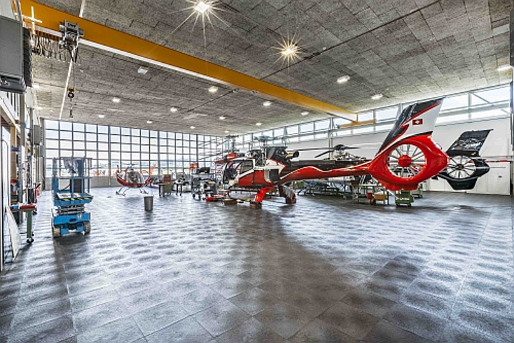 Zumtobel guarantees lux levels in lighting-as-a-service contract at Swiss helicopter hangar