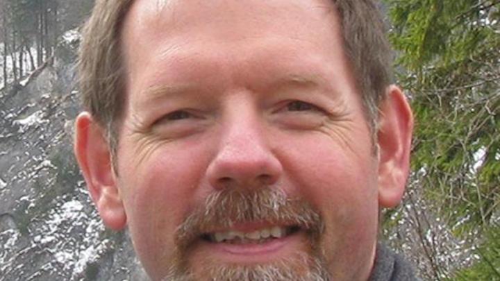 Eric Bretschneider CTO, QuarkStar and EB Designs & Technology - Strategies in Light speaker