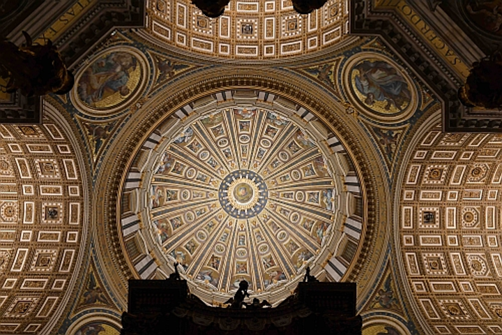 St. Peter's Basilica relights with Osram LEDs