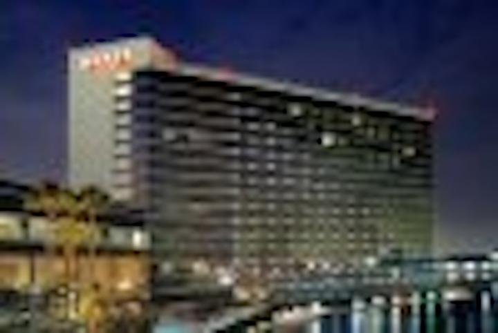 Content Dam Leds En Articles 2004 09 Hyatt Regency Hotel Sets Sail With Leds Leftcolumn Article Thumbnailimage File
