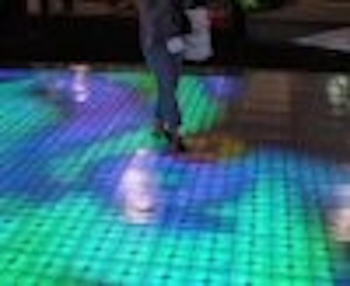 Content Dam Leds En Articles 2004 10 Leds Light Up Las Vegas At The Ets Ldi Show Leftcolumn Article Thumbnailimage File