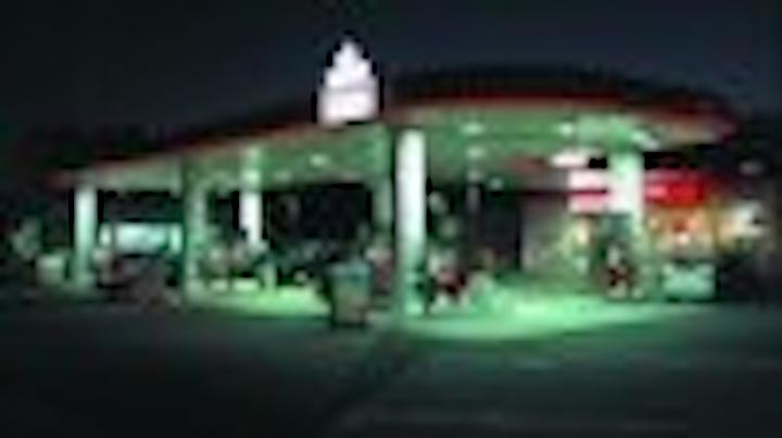 Content Dam Leds En Articles 2005 02 Case Study Canopy Border Lighting For Gas Stations Leftcolumn Article Thumbnailimage File