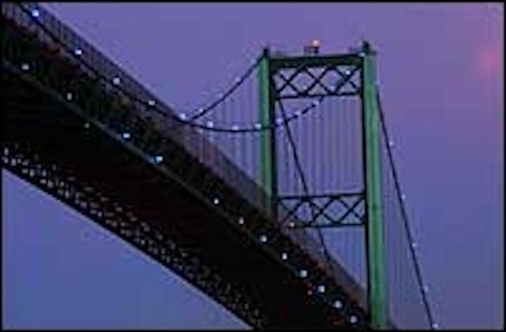 Content Dam Leds En Articles 2005 02 Vincent Thomas Bridge Sparkles With Solar Powered Leds Leftcolumn Article Thumbnailimage File