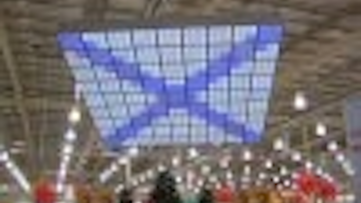 Content Dam Leds En Articles 2005 02 Woolworths Stores Get Traxon Ceiling Displays Leftcolumn Article Thumbnailimage File