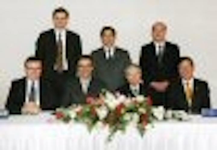 Content Dam Leds En Articles 2005 03 Tridonic And Toyoda Gosei Sign Joint Venture Agreement Leftcolumn Article Thumbnailimage File