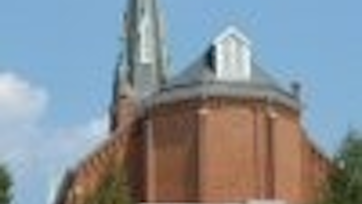 Content Dam Leds En Articles 2005 08 Church Seeks Led Lighting To Highlight Steeple Leftcolumn Article Thumbnailimage File