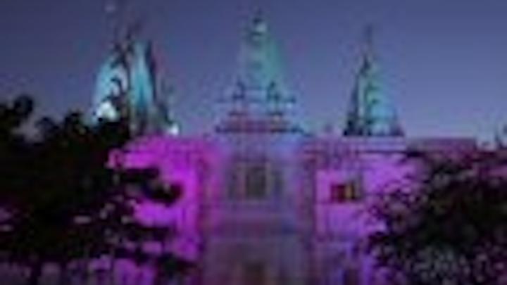 Content Dam Leds En Articles 2005 09 Pixellines Light Temple For 10th Anniversary Celebrations Leftcolumn Article Thumbnailimage File