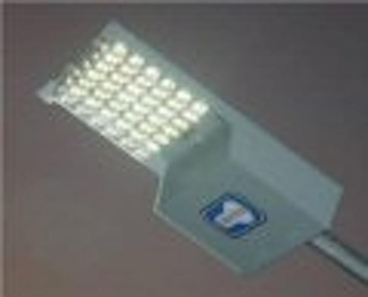 Content Dam Leds En Articles 2005 11 Leotek Led Luminaire Targets Roadway Lighting Leftcolumn Article Thumbnailimage File