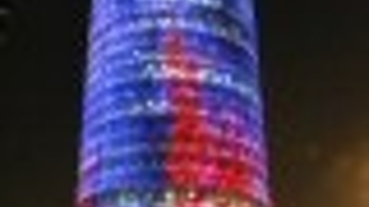 Content Dam Leds En Articles 2006 02 Lightled Brightens The Agbar Tower In Barcelona Leftcolumn Article Thumbnailimage File