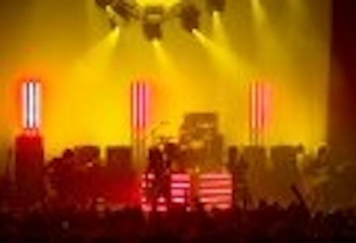 Content Dam Leds En Articles 2006 03 Entertainment Rockers Play It Cool With Led Lighting Leftcolumn Article Thumbnailimage File