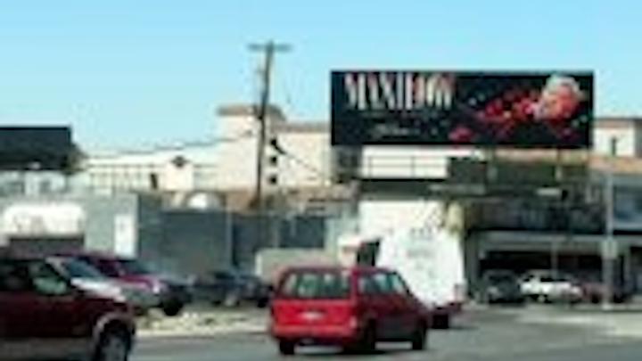 Content Dam Leds En Articles 2006 05 Displays Leds In Las Vegas Billboards Lisbon Casino Leftcolumn Article Thumbnailimage File