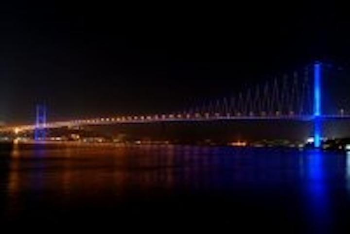 Content Dam Leds En Articles 2007 05 Leds Link Continents On The Bosporus Bridge Leftcolumn Article Thumbnailimage File