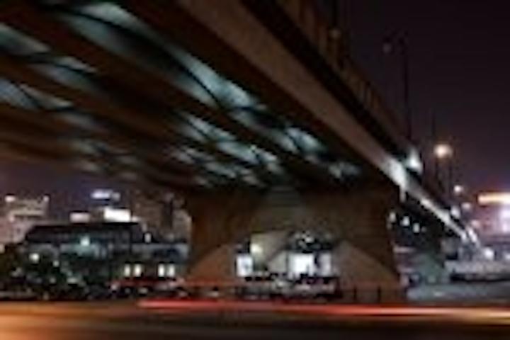 Content Dam Leds En Articles 2007 10 Pixelarc Led Fixtures Light Demonbreun Street Viaduct Leftcolumn Article Thumbnailimage File