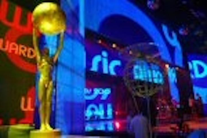 Content Dam Leds En Articles 2007 12 Martin Led Panels Adorn World Music Awards Leftcolumn Article Thumbnailimage File