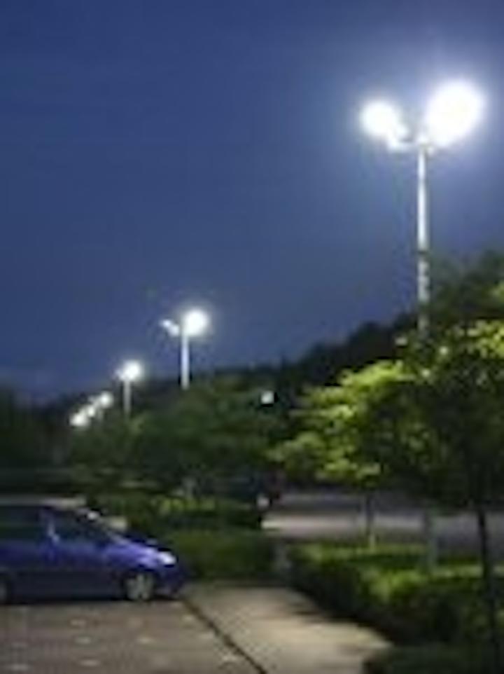 Content Dam Leds En Articles 2008 10 Led Illumination Improves Parking Facilities For Wales Hospital Leftcolumn Article Thumbnailimage File