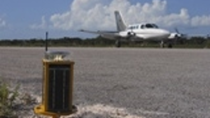 Content Dam Leds En Articles 2008 12 Carmanah Receives Order For Solar Powered Led Aviation Lights Leftcolumn Article Thumbnailimage File