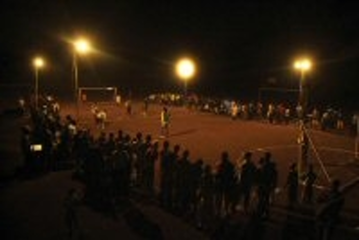 Content Dam Leds En Articles 2009 12 Philips Introduces Solar Powered Led Football Floodlights Leftcolumn Article Thumbnailimage File