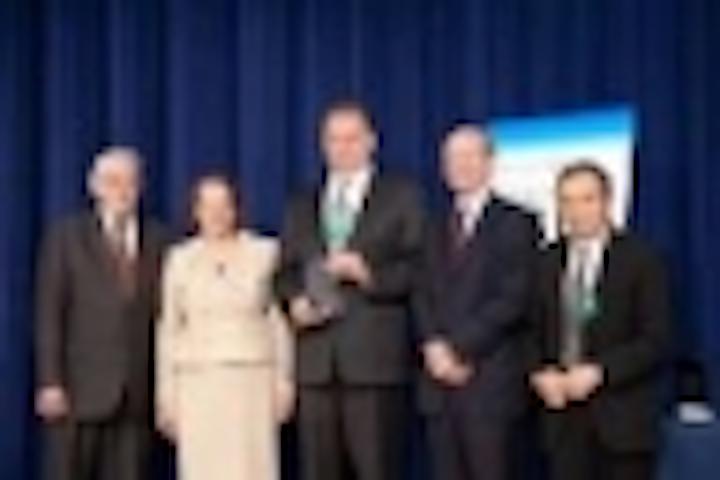 Content Dam Leds En Articles Iif 2012 05 Seti Accepts Tibbetts Award At White House Ceremony Leftcolumn Article Thumbnailimage File
