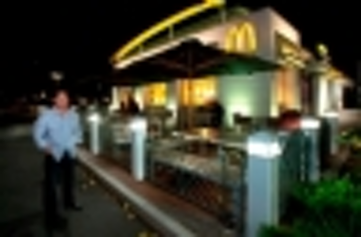 Content Dam Leds En Articles Iif 2013 07 Hawaii Mcdonald S Restaurants Turn To Led Lighting For 24 Hour Operation Leftcolumn Article Thumbnailimage File