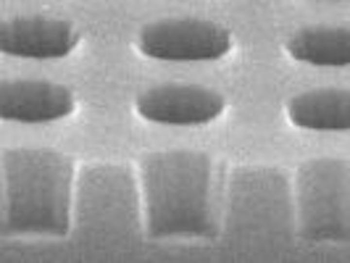 Content Dam Leds En Articles Print Volume 3 Issue 8 Features Photonic Quasicrystals Boost Led Emission Characteristics Leftcolumn Article Thumbnailimage File