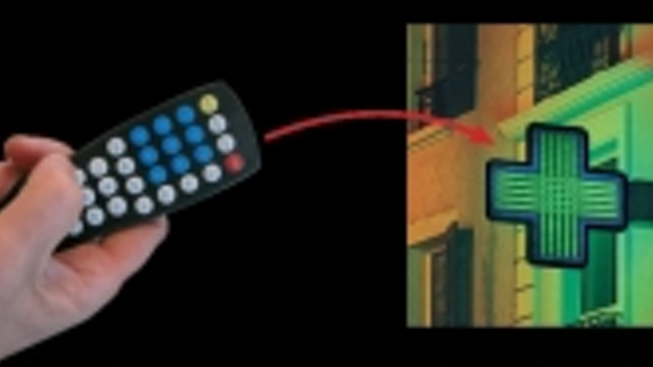 Content Dam Leds En Ugc 2005 06 Traff S Domino Sign System Lights Up The Way Leftcolumn Article Thumbnailimage File