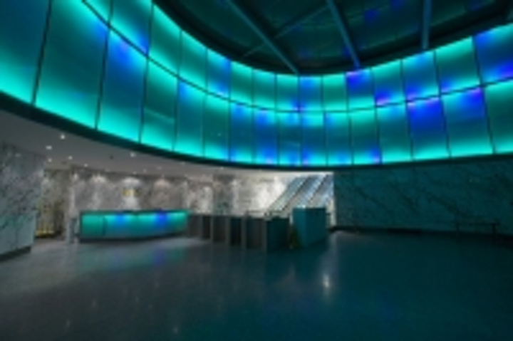 Content Dam Leds En Ugc 2006 11 Ltp Installs Spectacular Led Light Wall In Office Atrium Leftcolumn Article Thumbnailimage File