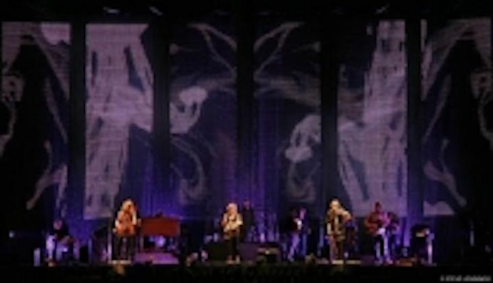 Content Dam Leds En Ugc 2006 12 Element Labs Reaches High Note With Cirrus On Dixie Chicks Tour Leftcolumn Article Thumbnailimage File