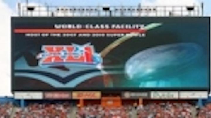 Content Dam Leds En Ugc 2007 02 Daktronics Led Displays Dazzle Super Bowl Xli At Dolphin Stadium Leftcolumn Article Thumbnailimage File