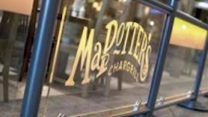 Content Dam Leds En Ugc 2007 05 Ma Potter Embraces Leds In Restaurant Signage Application Leftcolumn Article Thumbnailimage File