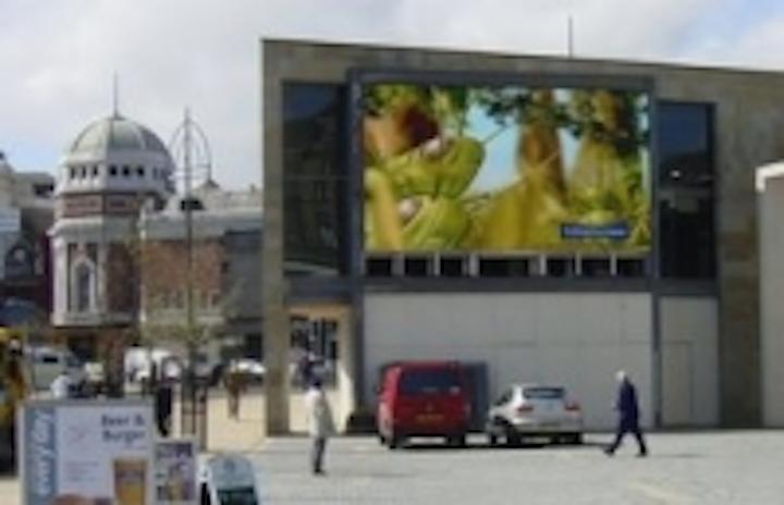 Content Dam Leds En Ugc 2007 06 Lighthouse Led Screen In Bradford Uk Aids Community Regeneration Leftcolumn Article Thumbnailimage File