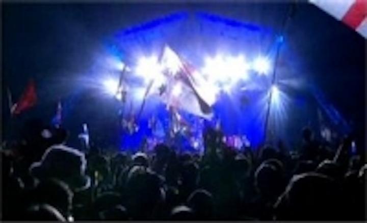 Content Dam Leds En Ugc 2007 07 Comets Seen Over Glastonbury Led Fixtures At Festival Leftcolumn Article Thumbnailimage File